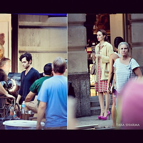 Leighton-and-Penn-On-Set-August-28-2012-dan-and-blair-32011716-500-500