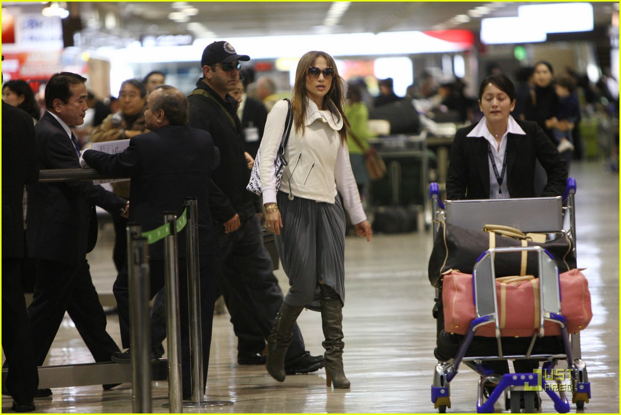 jennifer-lopez-japan-15